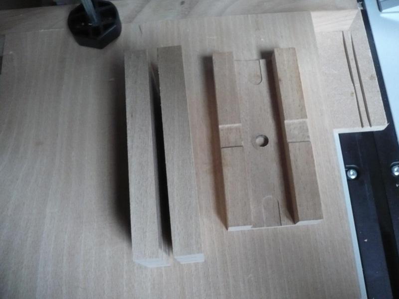fabrication d'une boite à bijoux hors normes - Page 4 P1030517