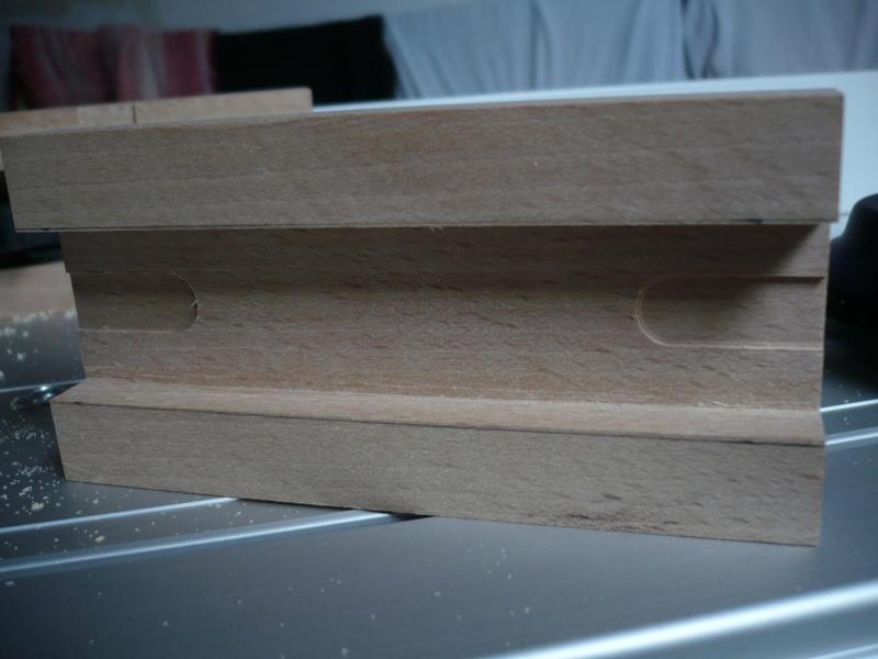 fabrication d'une boite à bijoux hors normes - Page 4 P1030521