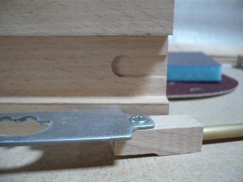 fabrication d'une boite à bijoux hors normes - Page 4 P1030522