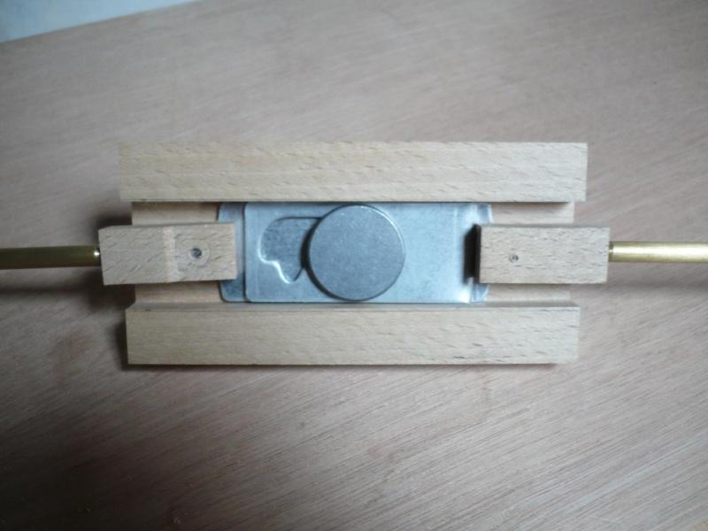 fabrication d'une boite à bijoux hors normes - Page 4 P1030523