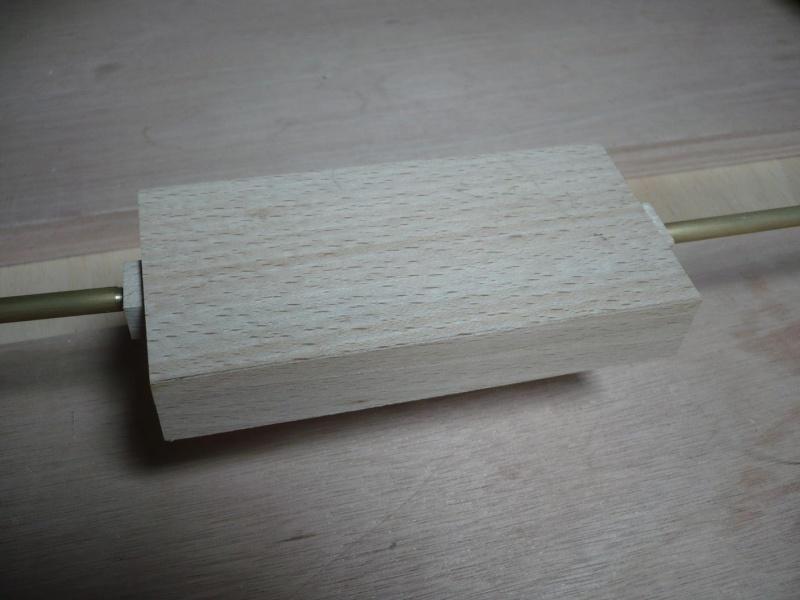 fabrication d'une boite à bijoux hors normes - Page 4 P1030524