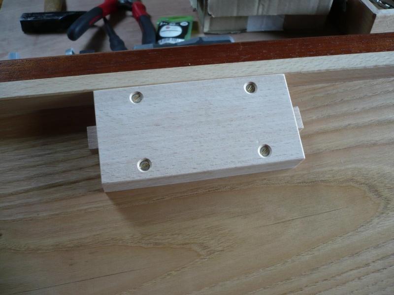 fabrication d'une boite à bijoux hors normes - Page 4 P1030630