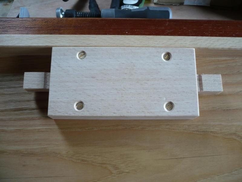 fabrication d'une boite à bijoux hors normes - Page 4 P1030631