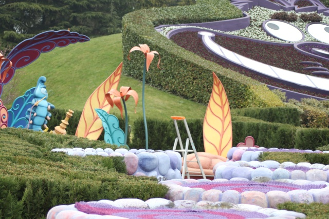 Alice's Curious Labyrinth [Fantasyland - 1992] - Page 2 Img_3414