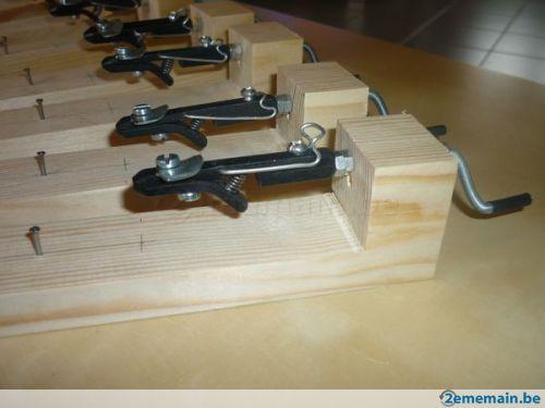 Montage de bas de ligne avec un outil . Pirloup. 12261015