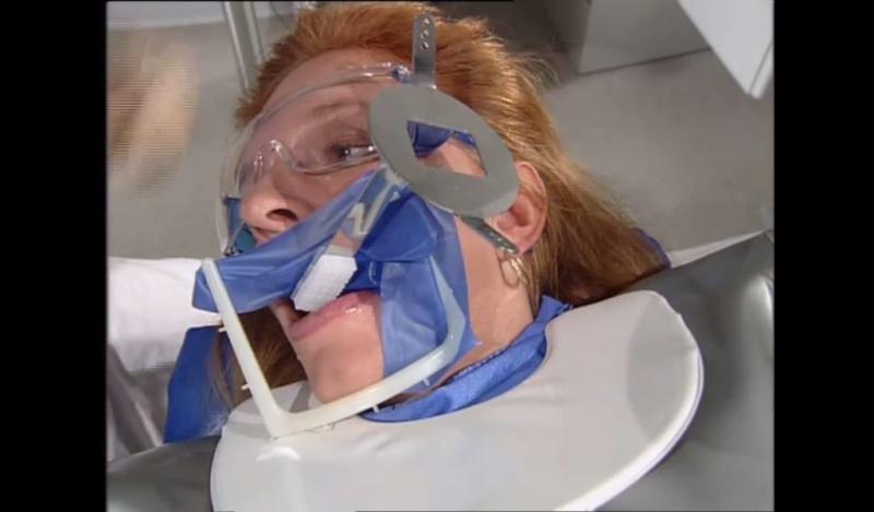 تصوير الأسنان الإشعاعي قد يؤدي إلى أورام في الدماغ Angula10