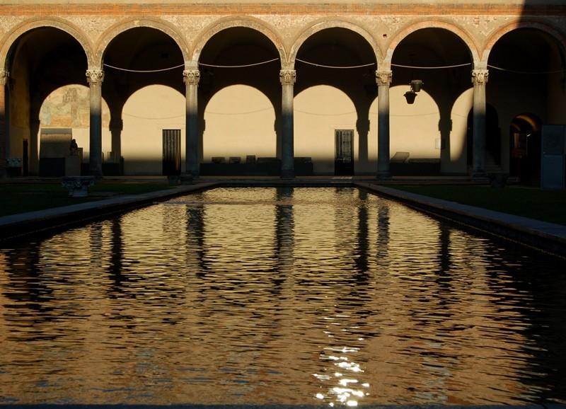 """Concours """"photo"""" du mois de mars 2012. Thème : """"Reflet sur l'eau"""" Milano10"""