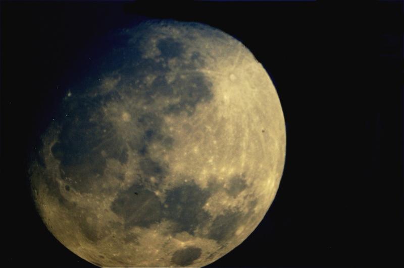 lune du 4 avril 2012 Gibeus11