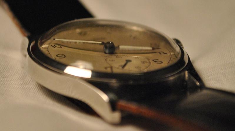 Jaeger -  [Le TOPIC des demandes d'IDENTIFICATION et RENSEIGNEMENTS de montres est ICI] - Page 39 Dsc_0113
