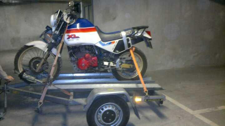 Je sais c'est une Honda pitié pas la lapidation!!! 41989710
