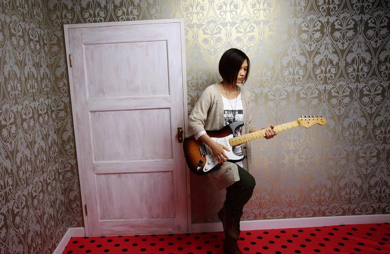 [J Pop, J Rock] YUI Yui_4210