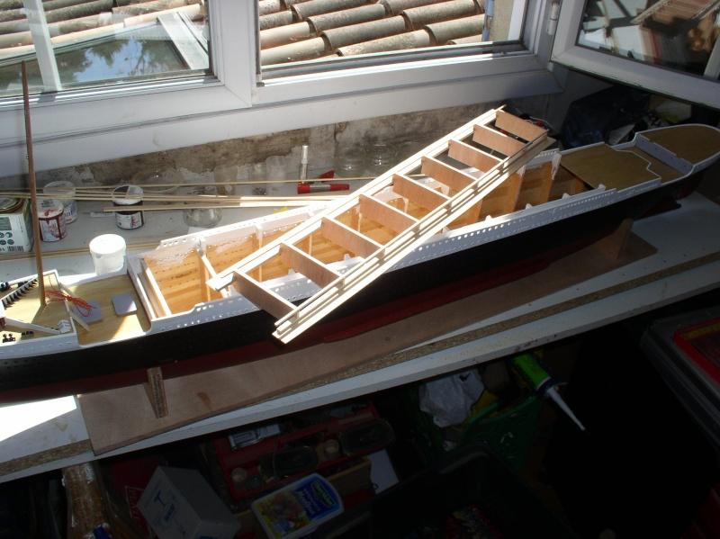 Le Titanic d'après les plan de JC ROSSO  au 1/200ème  - Page 4 P1010018
