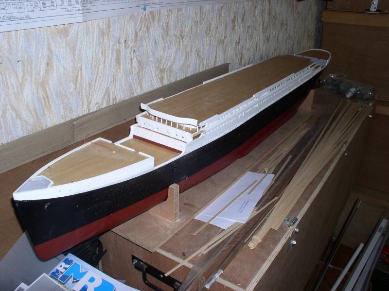 Le Titanic d'après les plan de JC ROSSO  au 1/200ème  - Page 4 P1010021