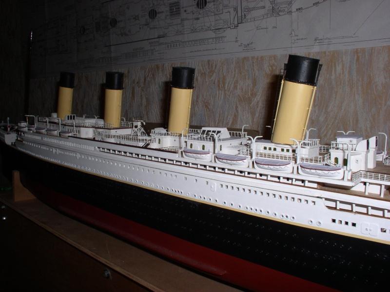 Le Titanic d'après les plan de JC ROSSO  au 1/200ème  - Page 8 P1010024