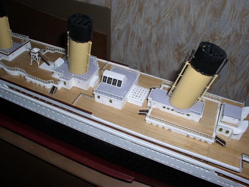 Le Titanic d'après les plan de JC ROSSO  au 1/200ème  - Page 8 P2010015