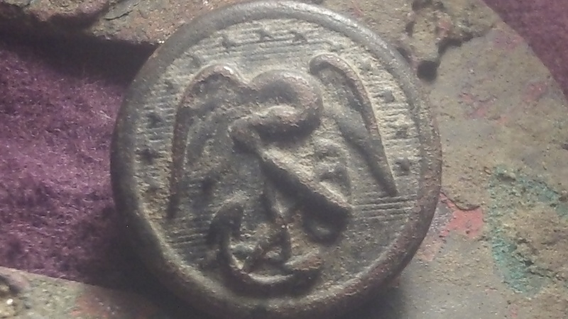 Was Coin hunting today and still managed my best button find!!! Updated Info  100_0511