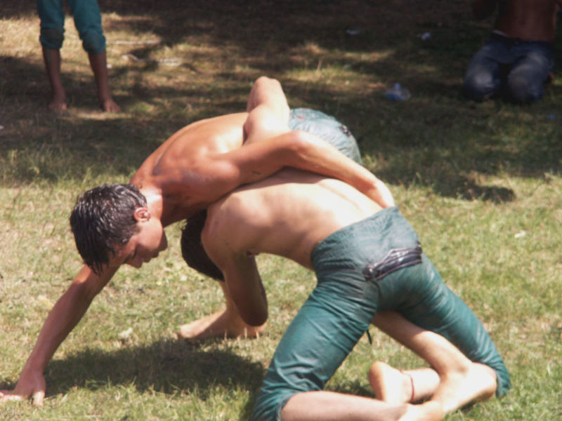 Turkish grease wrestling 800px-10