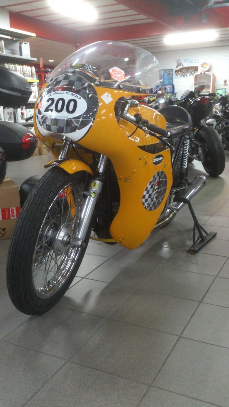 Norton jaune Dsc_0116