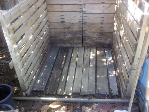 Pallet style compost question Pallet10