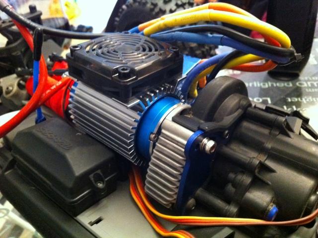 E-REVO upgrade Hobbywing XERUN 2200kv ESC 150A - Page 8 Img_3511