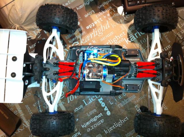 E-REVO upgrade Hobbywing XERUN 2200kv ESC 150A - Page 8 Img_3516