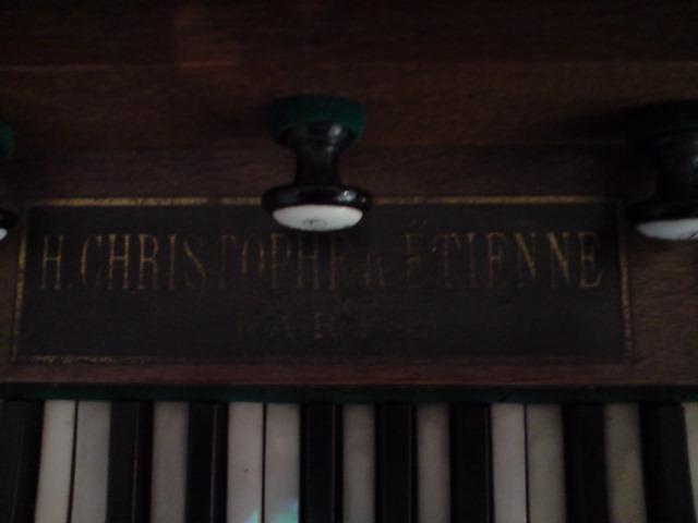 Harmonium inconnu et harmonium Christophe et Etienne P2405113