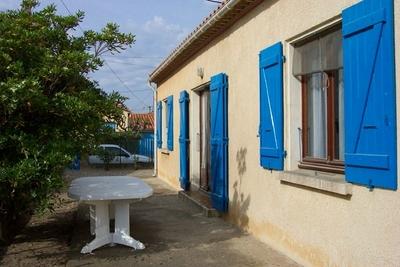 Location vacances Villa 4 faces, 11560 Saint-Pierre-La-Mer (Aude) Faaade14