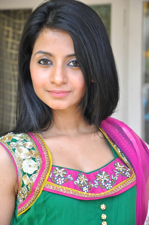 Amrutha in Salwar Cute Pictures Amruth31