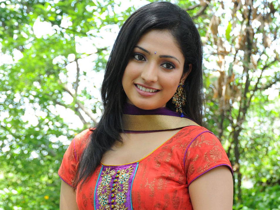 Haripriya Latest Stills Haripr10