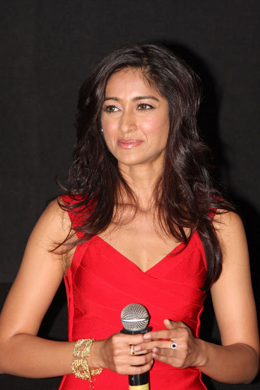 Ileana @ Barfi Trailer Launch Cute Photos Ileyan10