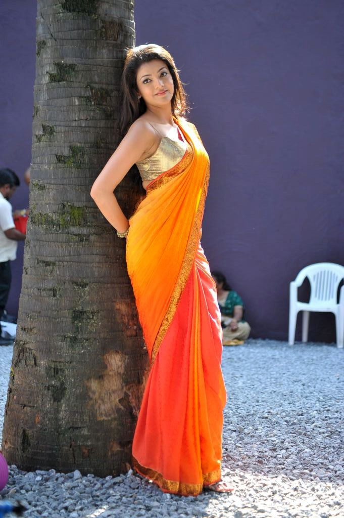 காஜல் அகர்வால் [ Kajal Agarwal in Saree Spicy Photo Gallery ] Kajal-18