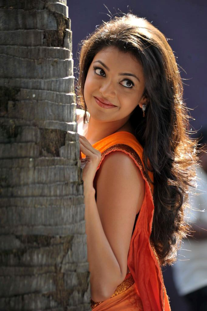 காஜல் அகர்வால் [ Kajal Agarwal in Saree Spicy Photo Gallery ] Kajal-24