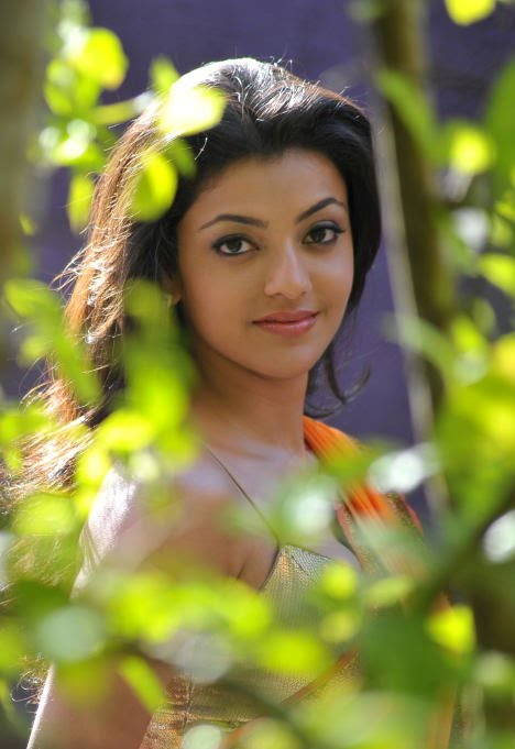 காஜல் அகர்வால் [ Kajal Agarwal in Saree Spicy Photo Gallery ] Kajal-32