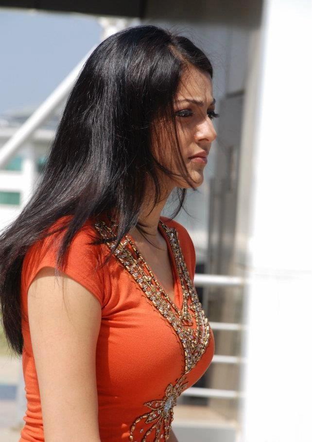 காஜல் அகர்வால் [ Kajal Agarwal from Businessman Pics ] Kajal-56