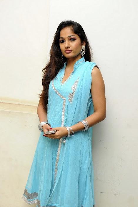 Madhavi Latha Latest Stills Madhav12
