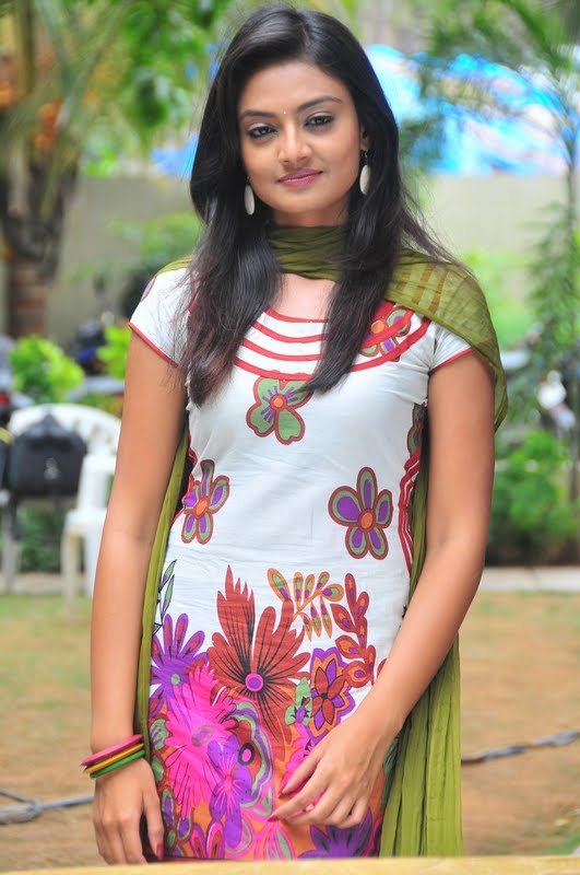 Nikitha Narayana in Tight Churidar Pics Nikhit16