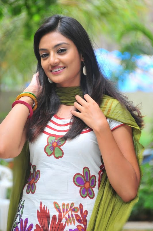 Nikitha Narayana in Tight Churidar Pics Nikhit18