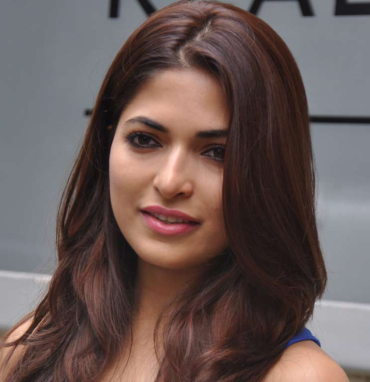 Parvathy Omanakuttan New @ Cifw Pics Parvat12