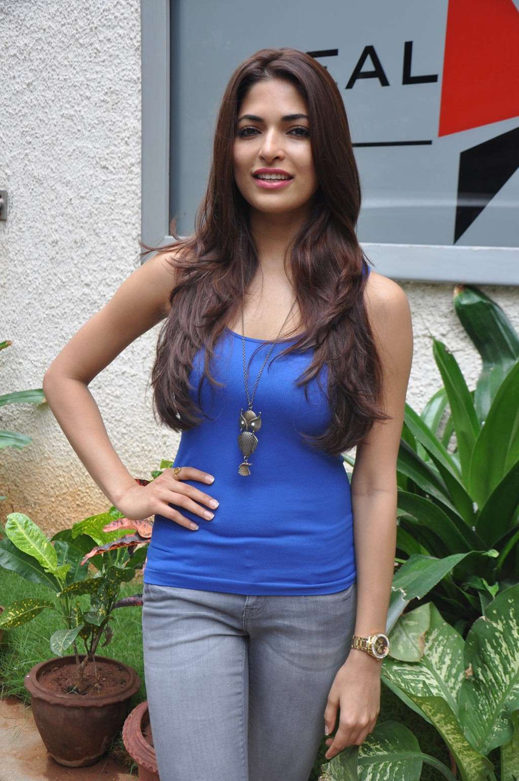Parvathy Omanakuttan New @ Cifw Pics Parvat18