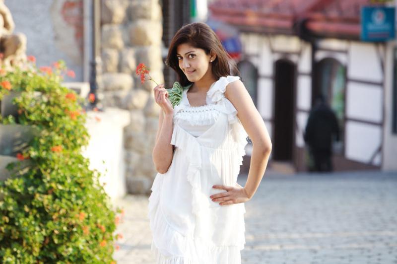 ப்ரனிதா சகுனி கேலரி [ Pranitha in Saguni Movie Gallery ] Pranit15