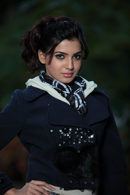 Samantha in Black Photo Set Samant17