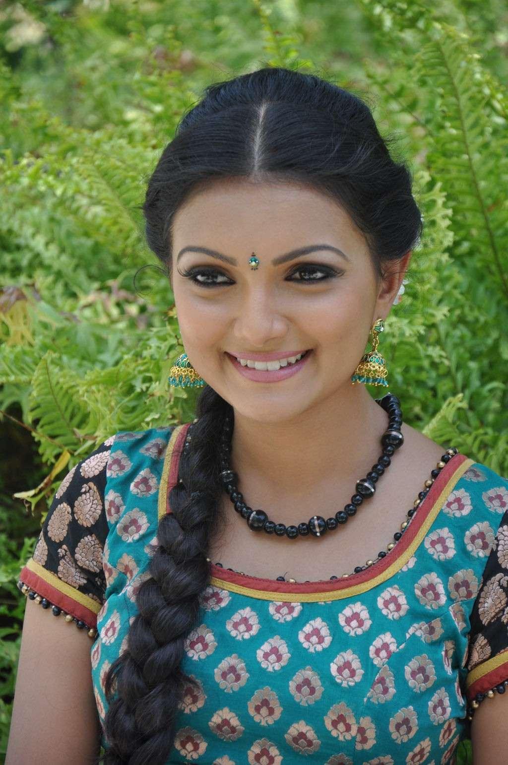 Saranya Mohan Latest Stills Sarany10