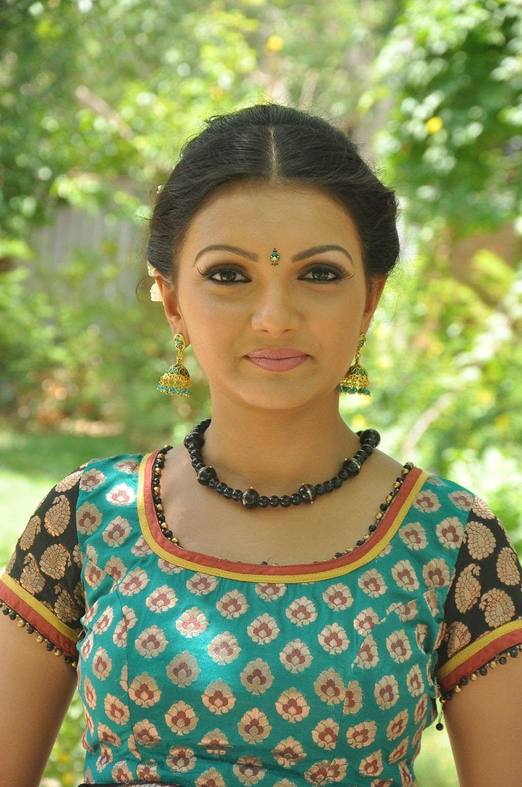 Saranya Mohan Latest Stills Sarany11