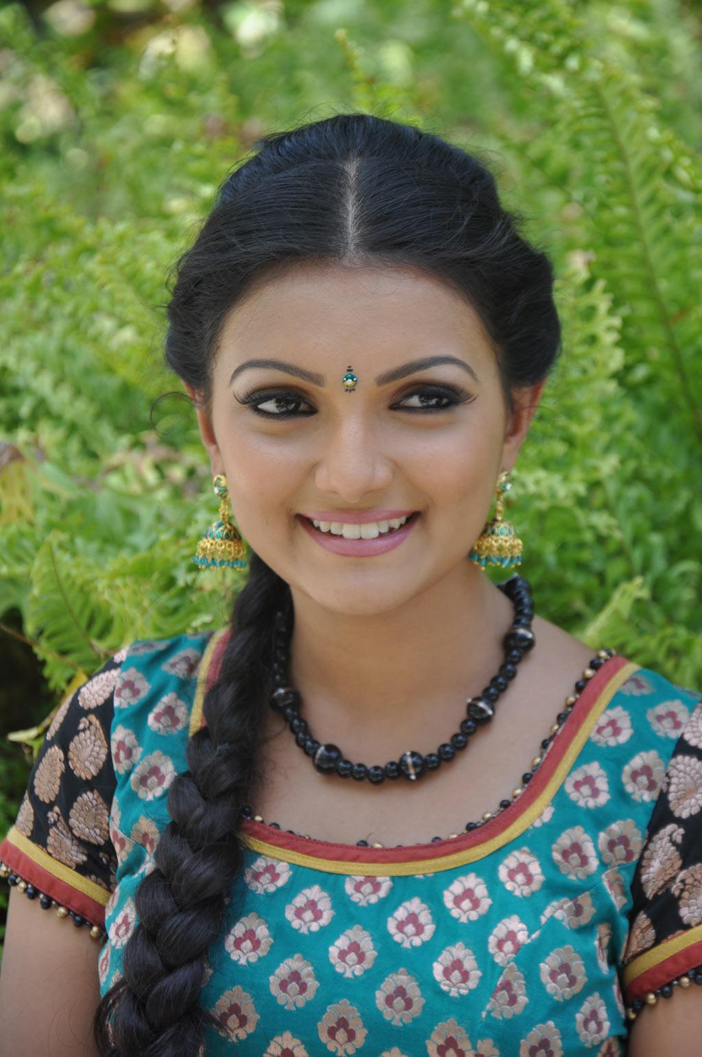 Saranya Mohan Latest Stills Sarany17