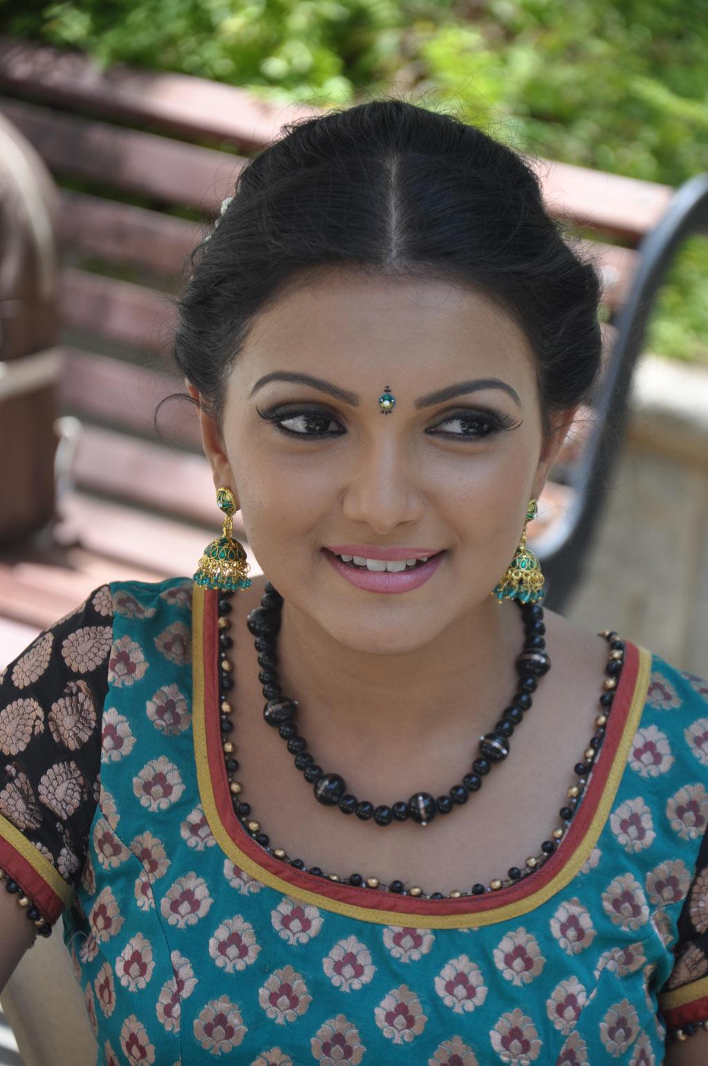 Saranya Mohan Latest Stills Sarany19