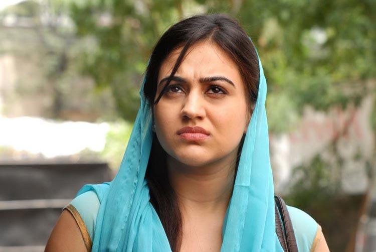 Aksha Spicy in Half Saree Pics Shatru11