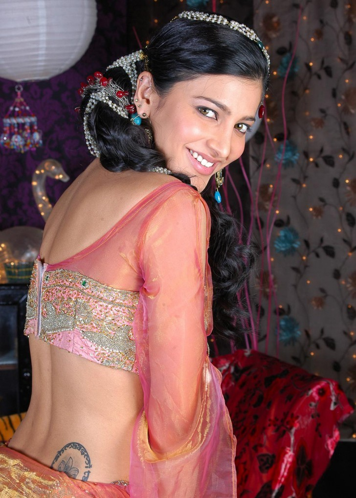 Shruti Haasan Unseen Hot Spicy Stills Shruti17