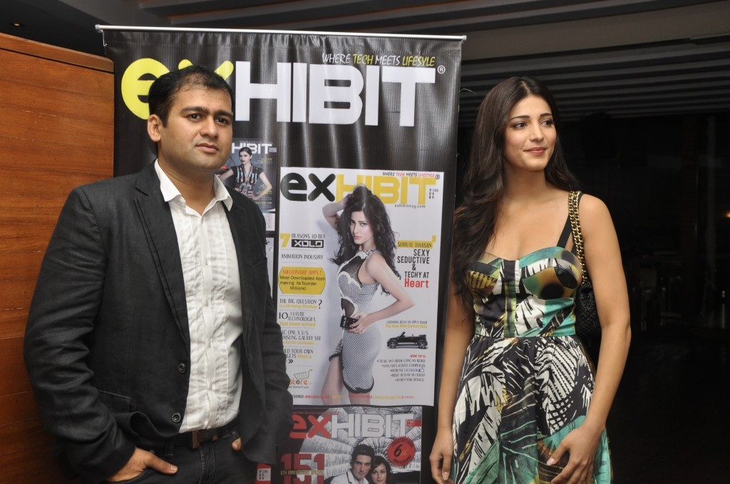 Shruti Hassan Launch Exhibit Magazine Cute  Shruti31