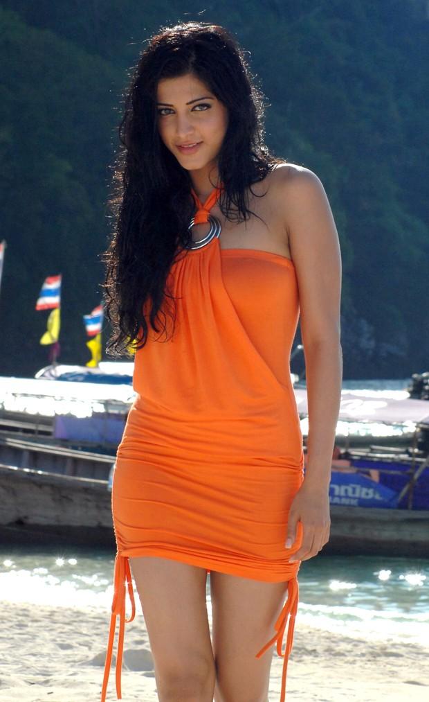 சுருதி ஹாசன் (Sruthi Haasan @ Beach Spicy Stills) Sruthi12