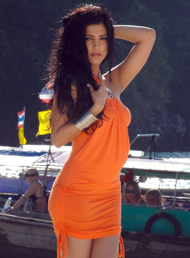 சுருதி ஹாசன் (Sruthi Haasan @ Beach Spicy Stills) Sruthi14